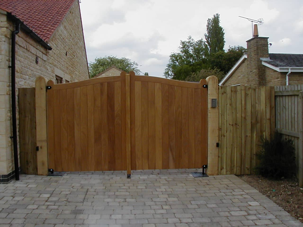Oasby Wooden Driveway Gate - After